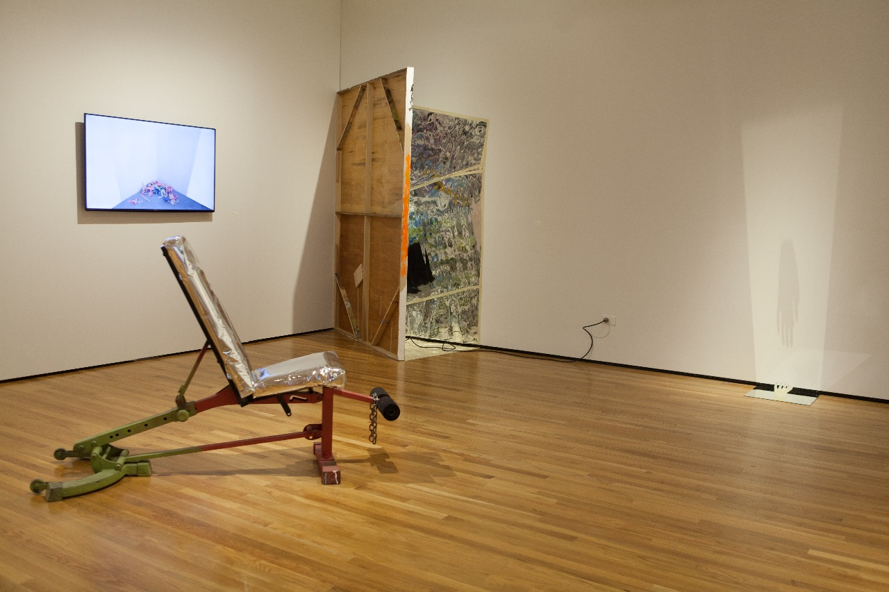 install shot (monitor on the left)